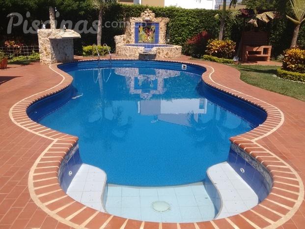Im genes de maunaloaspa piscinas for Piscinas con jacuzzi incorporado