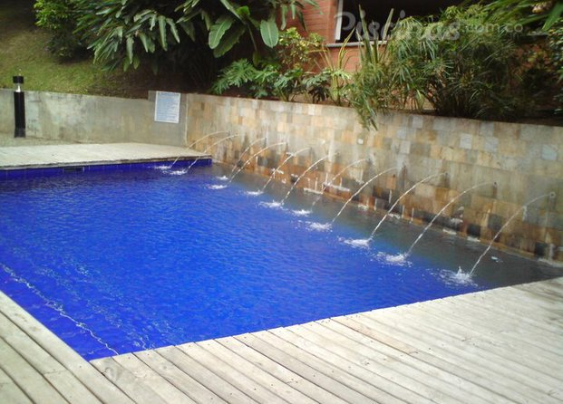 Im genes de omar piscinas for Piscinas empresas