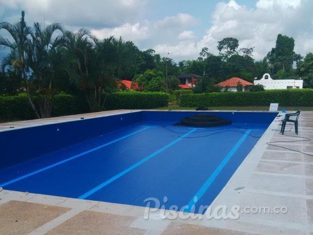 Im genes de aquatech pools colombia for Piscinas desmontables pvc ofertas